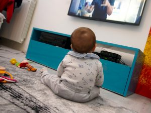 Control of Screen Time Should Begin by Age 2